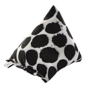Canadian cat cuddle pyramide punkte met catnip zwart / wit